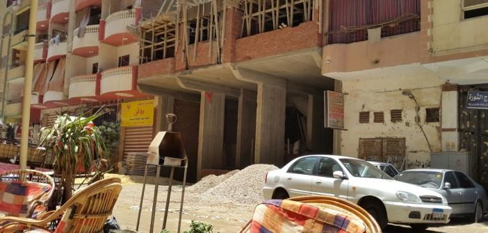 صور.. مواطن: حي بولاق الدكرور تقاعس عن وقف بناء عقار مخالف 📷