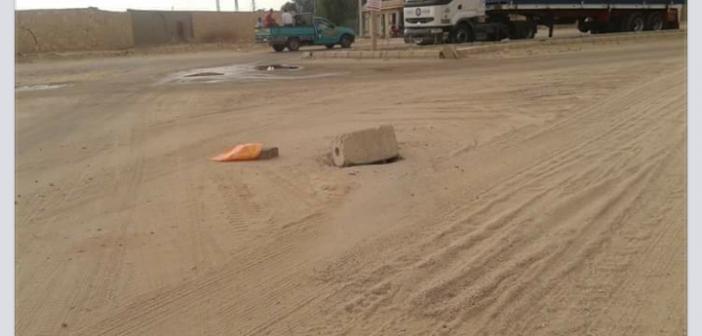 بالصور.. مواطنون يشكون تأخر الانتهاء من تطوير طريق خط 10 بمدينة العبور 📷