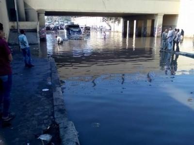 غرق نفق كوبري إمبابة بالمياه (تصوير غادة عاطف)