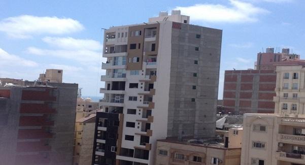 📷.. بناء مخالف في منطقة لوران بالإسكندرية
