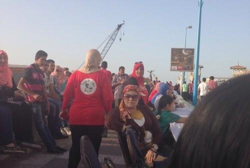 بالصور.. الإسكندرية تشهد أطول مائدة إفطار في مصر.. ووقوع اشتباكات 📷