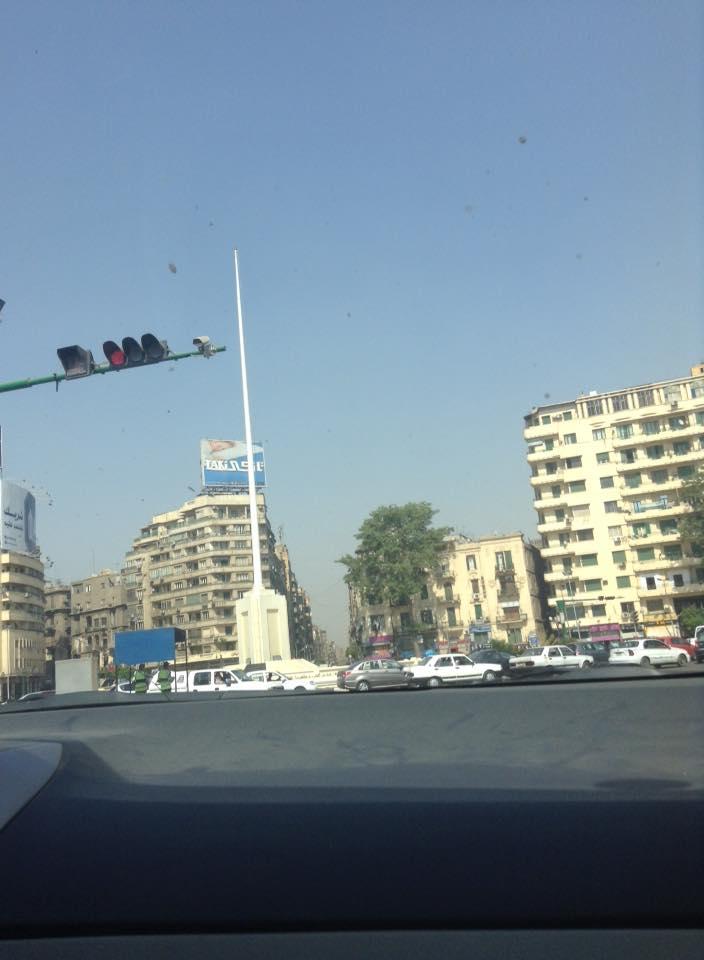 إنزال علم ميدان التحرير وبقاء الساري ـ طارق تيتو