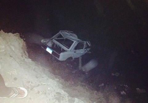 مصرع 2 وإصابة 3 بعد غرق سيارة بترعة على طريق فاقوس ـ الحسينية 📷