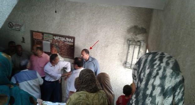 بالصور.. طبيب يعتدي على موظفة بمديرية التضامن الاجتماعي في بني سويف 📷