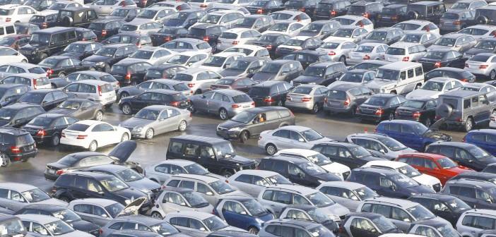 «حقي سيارة بدون جمارك».. دعوات من المصريين بالخارج لإلغاء رسوم السيارات