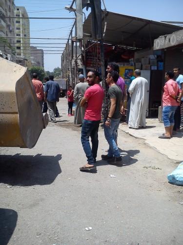 امام محطة مترو حدائق حلوان