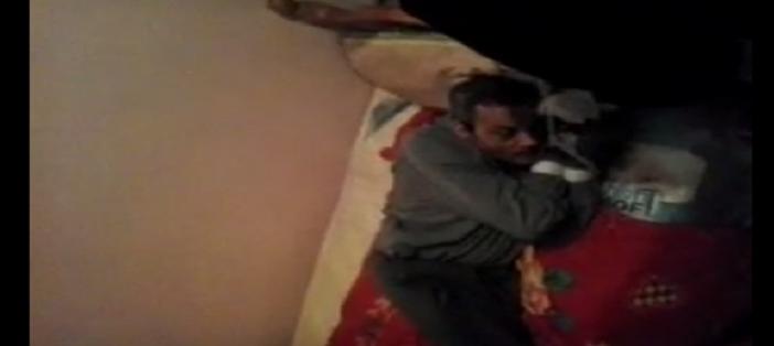 🔴 شاهد.. فيديو يُظهر عجوزًا مُقيدة يديه بسرير في دار للمسنين بالإسكندرية ▶