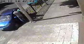 كاميرا مراقبة تسجل سرقة سيارة في شبرا