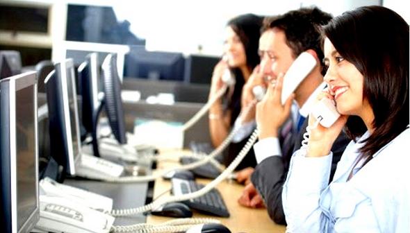 موظفو خدمة عملاء شركات المحمول: 90 لـ 130 مكالمة يوميًا.. والراتب 1200 جنيه
