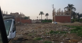 تعديات على الأراضي الزراعية والطرق في قرية بشين القناطر