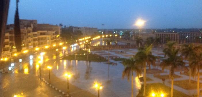 بالصور.. رغم موجة الحر.. سقوط أمطار غزيرة في الأقصر 📷
