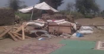 مواطنون يعيشون في خيام بالشارع في بلقاس