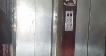 تعطل مصعد مستشفى النقل العام بشامبليون.. ومواطن: المرضى يدفعون القمن