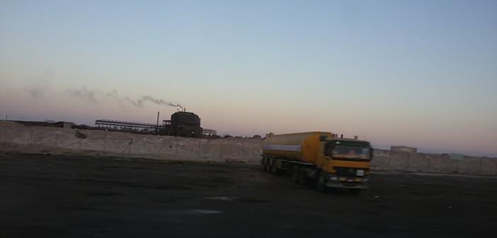 بالفيديو و الصور.. شركة سيناء للمنجنيز تلوث سماء منطقة أبو زنيمة