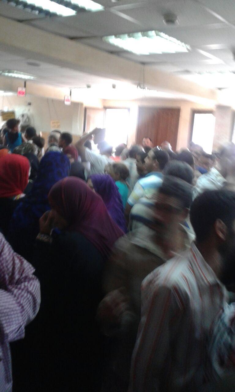 بالفيديو.. «حشر» سكان 4 أحياء بالقاهرة في سجل مدني يعمل بجهازي كمبيوتر
