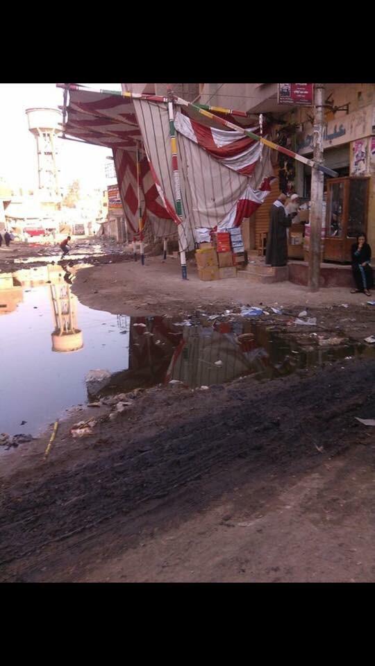 مياه الصرف تغمر شوارع قرية الناوية بالغربية