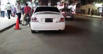 بالصور.. سيارات دون لوحات معدنية تمر بمناطق حيوية بالقاهرة قد تكون عرضة لتفجيرات