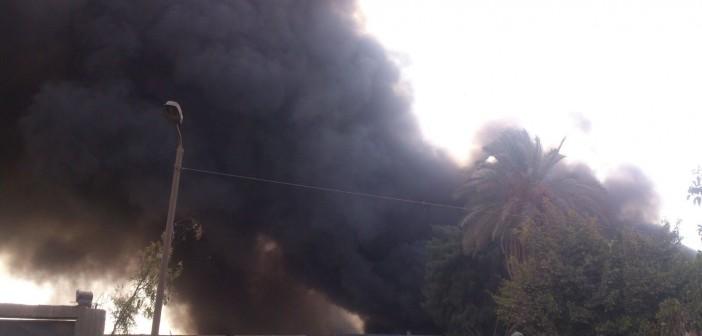 بالصور والفيديو.. لحظة اندلاع حريق هائل في شركة للبلاستيك بشبرا الخيمة ▶