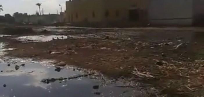 بالصور.. معاناة قرية «قمبش» ببني سويف.. الخدمات غائبة والصرف يهدد بانهيار المنازل 📷