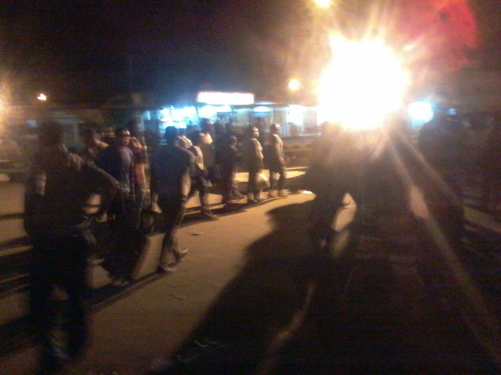 تكدس الركاب بموقف مرسى مطروح ـ القاهرة لاختفاء «السرفيس»