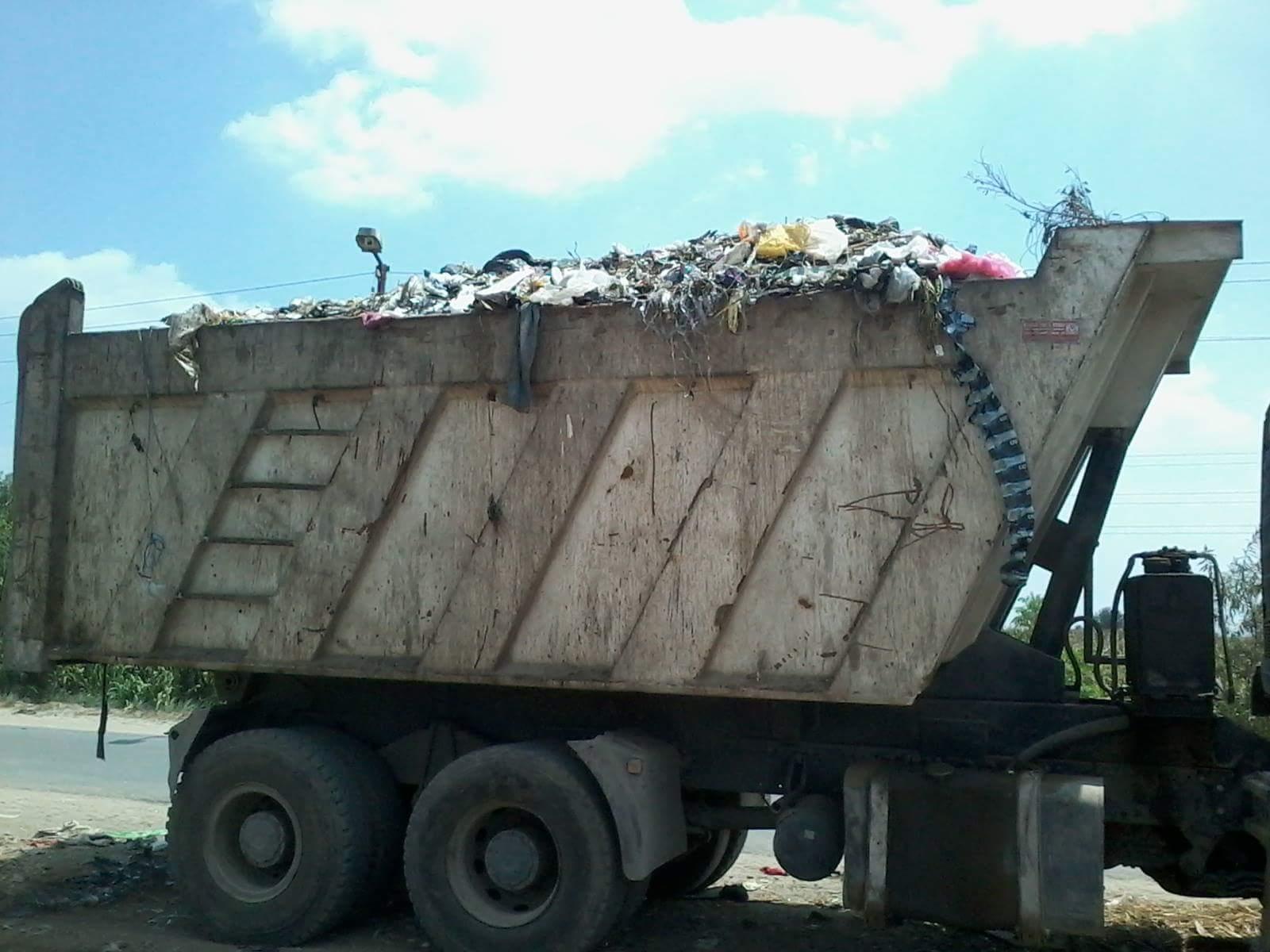 وقف جمع القمامة من عزبة بالقناطر عقاب أهلها لرفضهم رميها على مدخلها