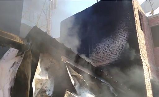 فيديو.. مواطن يُحذر من إعادة بناء محطة لتقوية الاتصالات بعد احتراقها بمنطقة الحرفيين