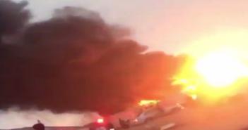 فيديو.. البرق يُفجر خزانًا للوقود في السعودية في موجة من الطقس السيىء