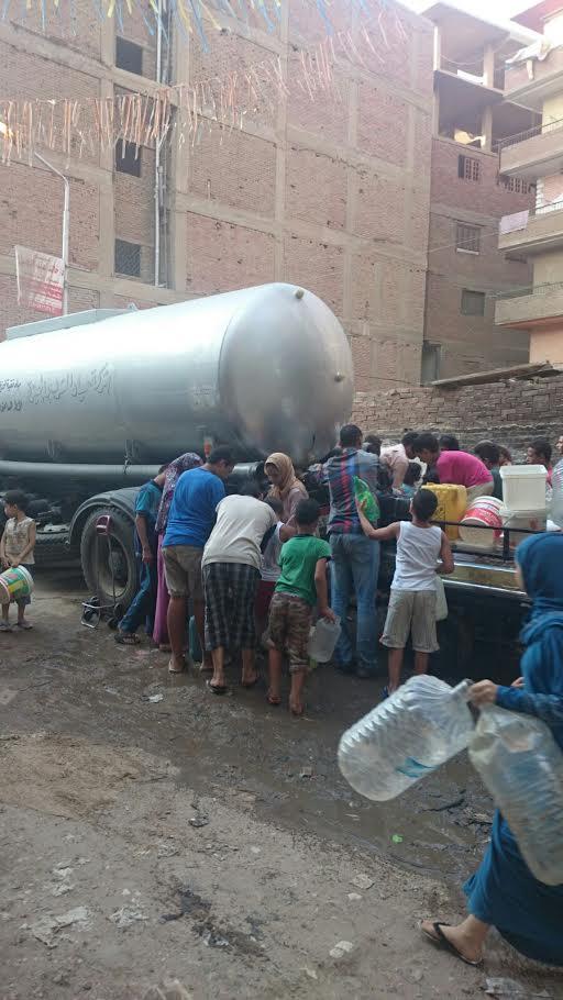 شركة المياه أرسلت فنطاسا لمساعدة الأهالي على مواجهة الانقطاعات المستمرة
