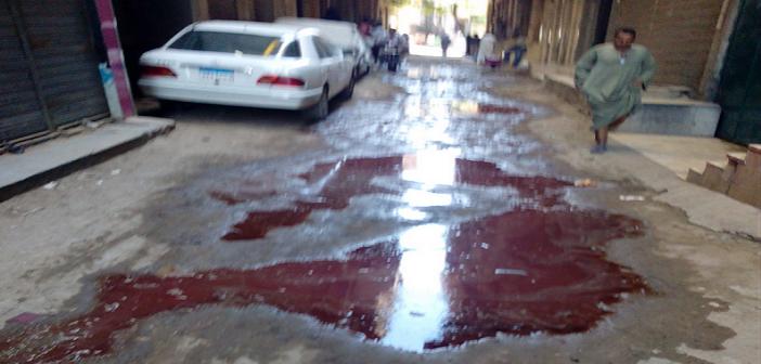 بالصور.. شبرا الخيمة تكتسي باللون الأحمر.. وتخالف قرار حظر ذبح الأضاحي في الشوارع 🐑