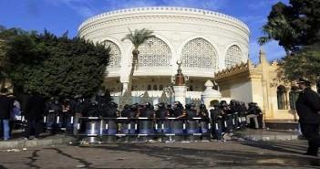 138 وكيل نيابة يتظاهرون أمام الاتحادية بسبب شرط «حصول الوالدين على مؤهل عالي»