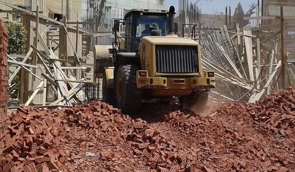 إزالة الإشغالات والتعديات على أراضي الدولة في منطقة وادي حوف بحلوان 📷
