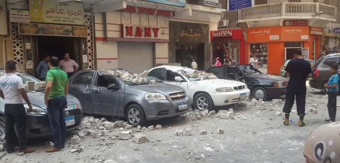 📷 انهيار سور عمارة قرب سينما لاجتيه بالإسكندرية