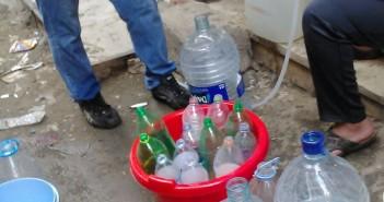 صور.. تواصل انقطاع المياه في كفر طهرمس بالجيزة