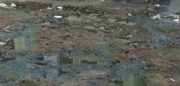 طفح الصرف في مدرسة قرية بميت غمر 📷