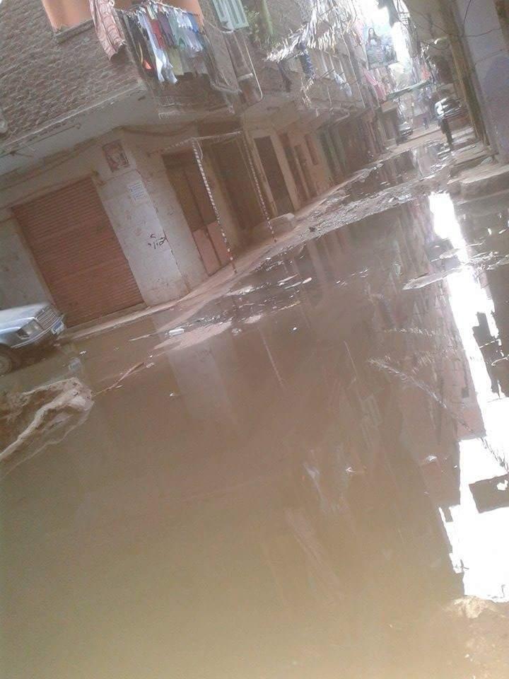 طفح مياه الصرف يحاصر المواطنين في «النوارة» بمدينة الخصوص