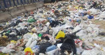 بالصور.. تراكم القمامة في شوارع بالمرج الجديدة