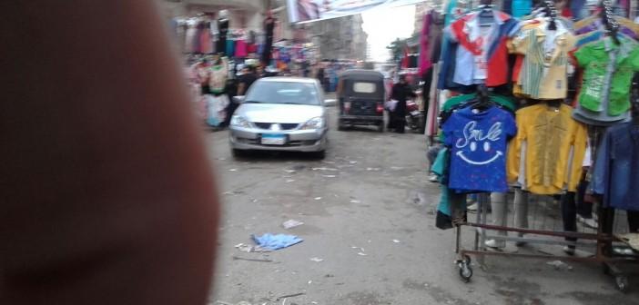 مواطن: الباعة الجائلون يحتلون شارع بعين شمس و«رئيس الحي ولا هنا» 📷