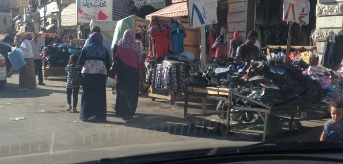 📷 بالصور..باعة جائلون يحتلون شوارع بالإسكندرية في غياب الأمن والمرافق