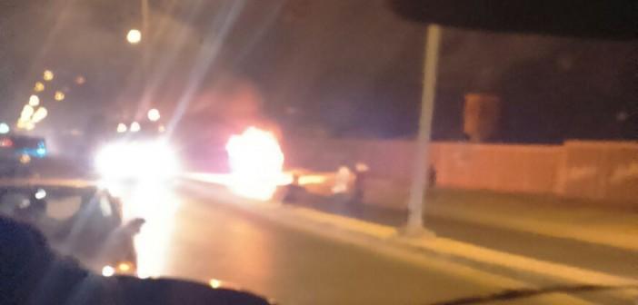 📷 احتراق سيارة في مدينة 6 أكتوبر