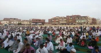صور وفيديو.. صلاة العيد في مدينة الطور بحضور محافظ جنوب سيناء
