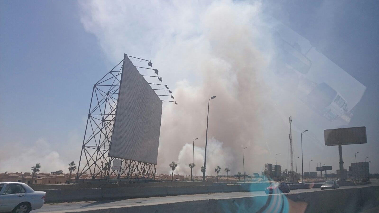 صور.. تصاعد سحب الدخان والأتربة نتيجة تفجير جبال قرب كارفور المعادي