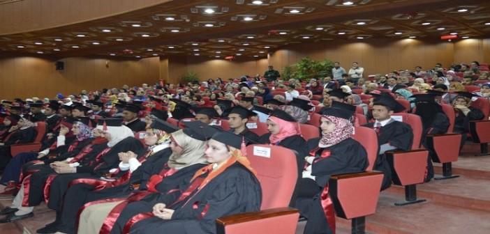 بالصور.. الطالب الأول على جامعة كفر الشيخ كرمه السيسي والجيش.. وتجاهلته الحكومة 📷