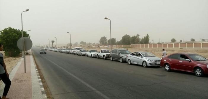 بالصور.. أزمة في البنزين.. وطوابير أمام محطات الوقود بجنوب سيناء 📷