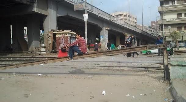 مطالب بإغلاق مزلقان قطارات بسموحة.. ومواطنون: «يهدد سلامتنا»