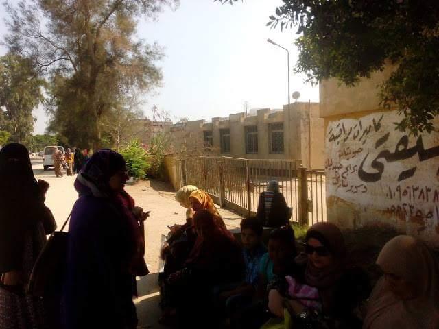 أيام قليلة على بدء الدراسة.. و1220 طالبًا ومعلميهم في الشارع بدون مدرسة