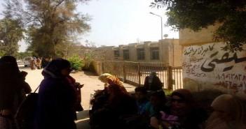 أيام قليلة على بدء الدراسة.. و1220 طالبًا ومعلموهم في الشارع دون مدرسة