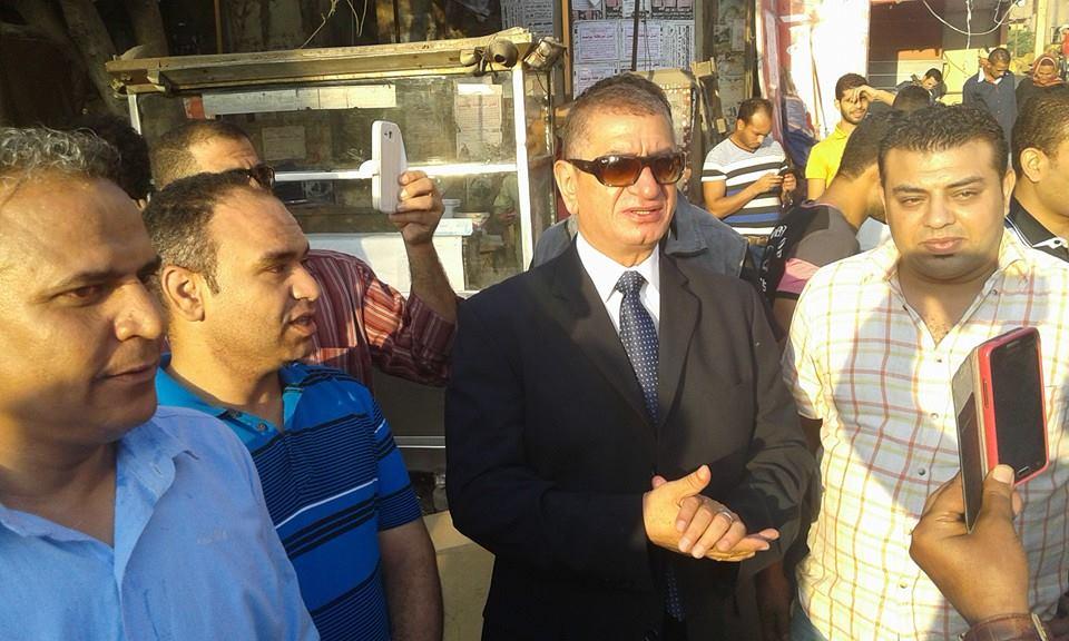 نائب محافظ القاهرة يتابع عملية الإزالة
