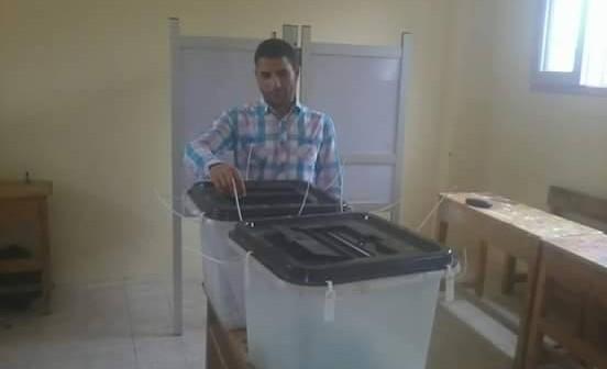 بالصور.. صناديق انتخابية فارغة بالفيوم قبل ساعات من إغلاق لجان الاقتراع (شاركنا تغطيتك 📢)