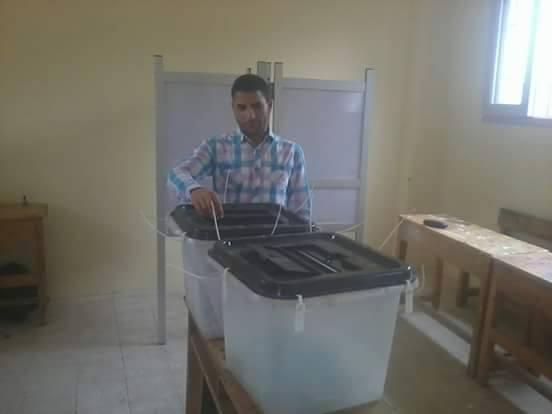 بالصور.. صناديق انتخابية فارغة بالفيوم.. وضعف إقبال الناخبين