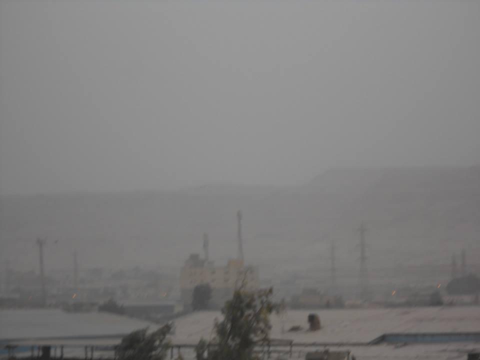 بالصور.. عاصفة ترابية مفاجئة تضرب القاهرة.. وانخفاض درجات الحرارة
